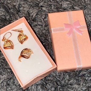 Jewelry - Rose Gold Ring and earring set (3/20$ deal!!)